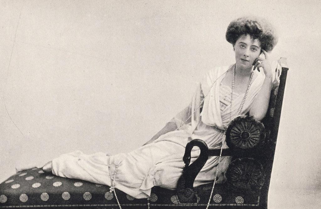Daisy von Pless i jej łańcuch pereł Książ