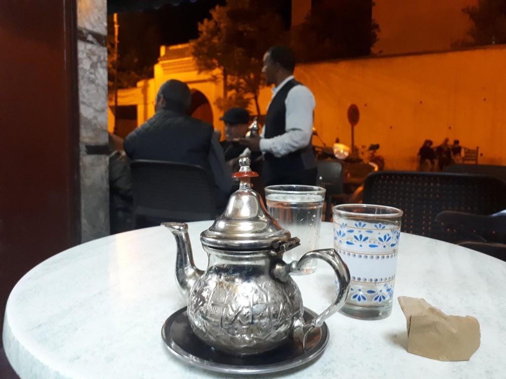 Miętowa herbatka w Fezie Maroko