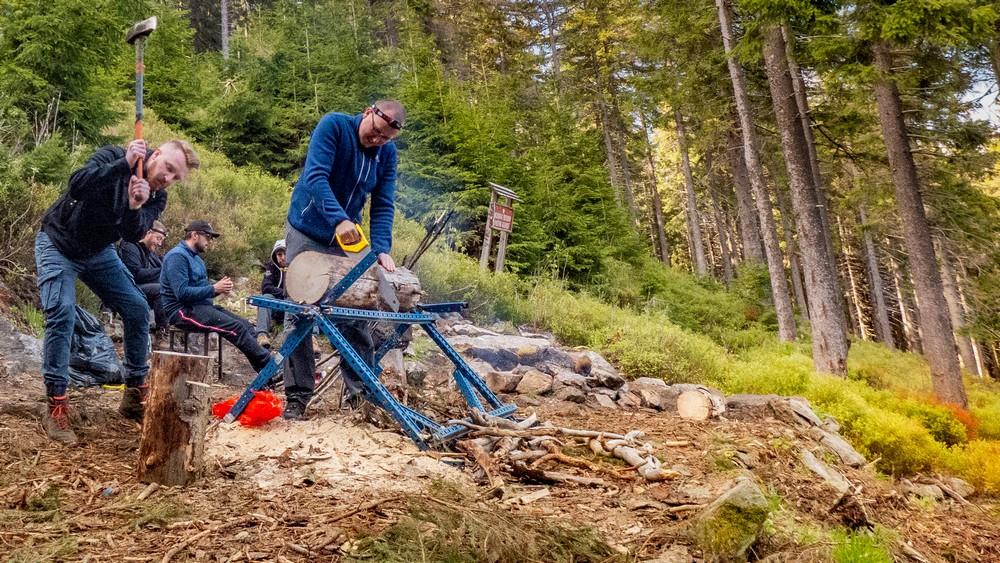 Przygotowywanie drewna na opał