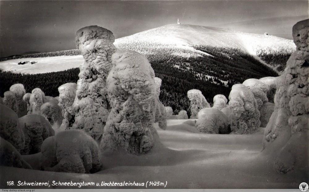 Od lewej: Schronisko pod Śnieżnikiem, wieża widokowa na Śnieżnku i  Schronisko księcia Liechtensteina. 1930-1940