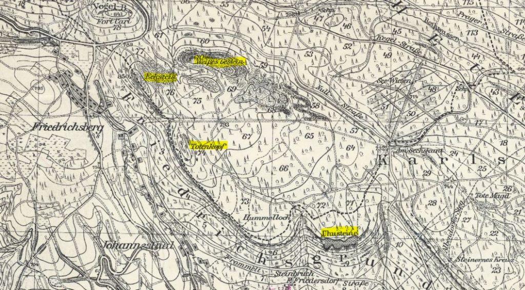 Niebieski szlak na przedwojennej niebieskiej mapie. Zaznaczone kolejno od lewej: Narożnik, Białe Skały, Kopa Śmierci i Skały Puchacza