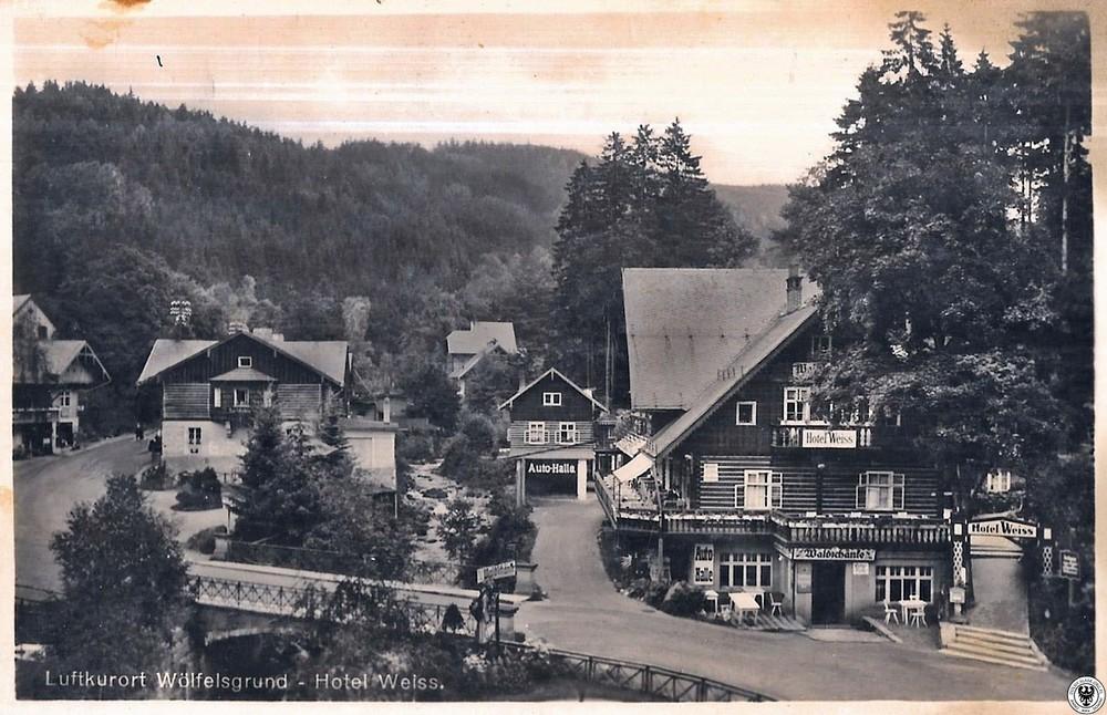 Hotel Weiss - spłonął w latach 80-tych. 1935-1938