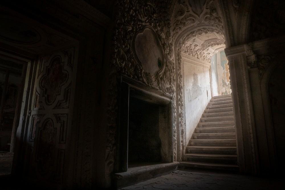 Ciemne zakamarki pałacu