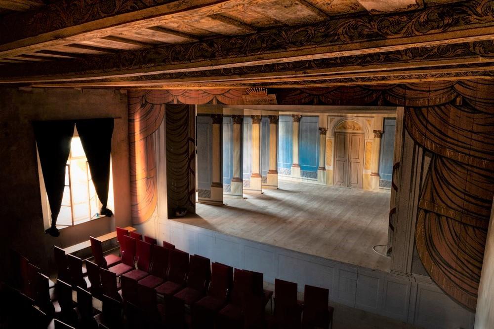 Scena teatru gorzanowskiego pałacu