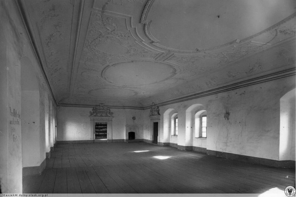 Sala balowa pałacu. 1910-1920