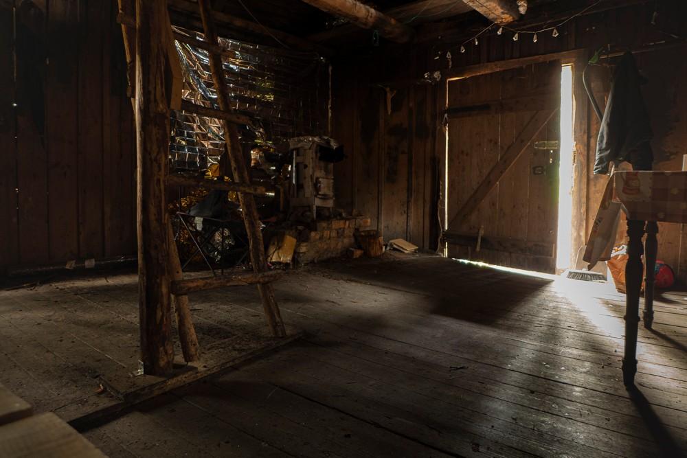 Wnętrze chatki sylwestrowej w Górach Bystrzyckich