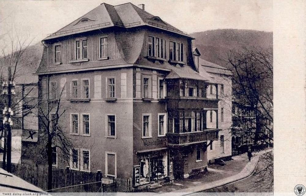 Haus Tannenberg, po wojnie mieszkali tu Kieślowscy. 1925-1935